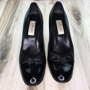 Isaac Mizrahi Black Round Toe Heels